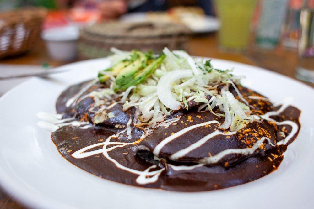 Mole from el apapacho