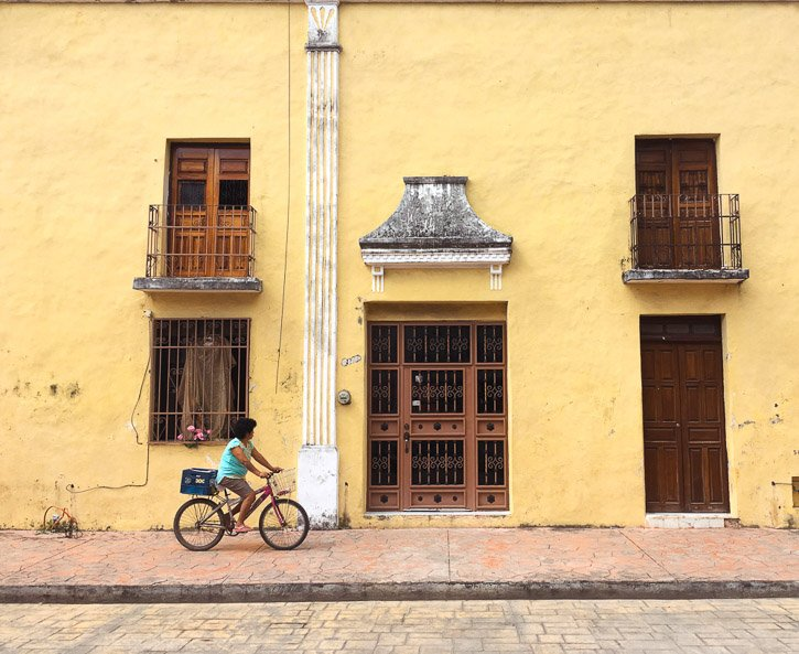 Valladolid House with cyclist