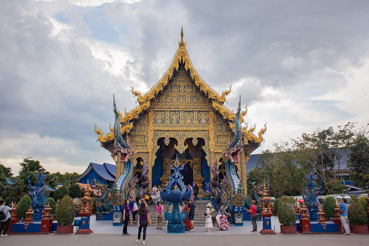Storms roll in at the Chiang Rai Blue Temple